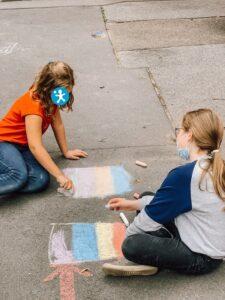 mal-bewegen-Zeit für die Kinder der Grundschule Balthasarstraße in Köln